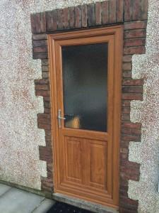 Oak-effect-composite-door